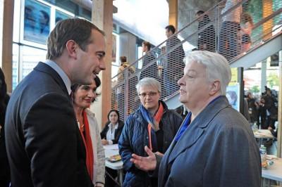 Alexie Lorca l'adjointe à la culture, Patrice Bessac le maire de Montreuil avec l'arrière petite-fille de Georges Méliès.