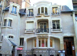 800px-Paris_-_60_Rue_Fontaine_-1